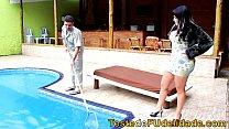 prno brasil com morena safada dando para o limpador de piscina